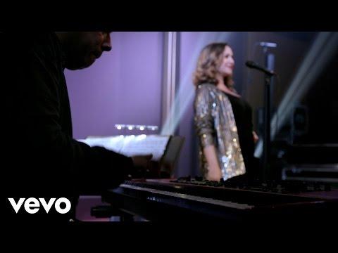 """Maria Rita – """"Bola Pra Frente"""" (clipe oficial – gravado ao vivo em SP)"""