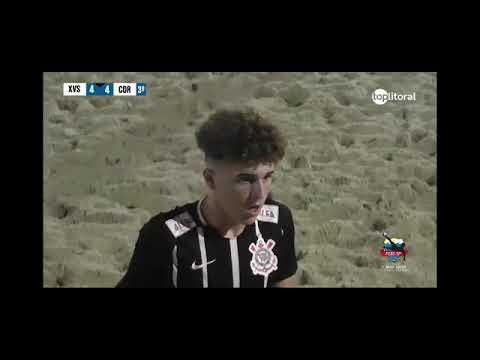 Com direito a chapéu, Rian marca o 5º gol do Corinthians na final.