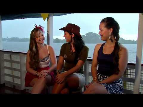 Mona Lisa Duperron leva as mulheres mais lindas da Amazônia para um passeio de barco
