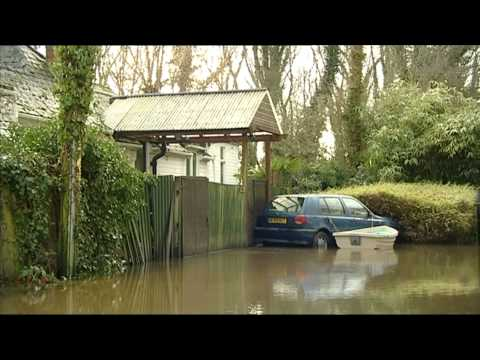 BBC London News   21 Jan 2014 :-:  River Thames - Local Floods - Sarah Harris