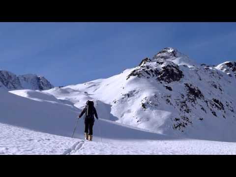 Ascensión y descenso con esquís del Pic Rond