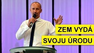 Zem vydá svoju úrodu - Marek Štrbák