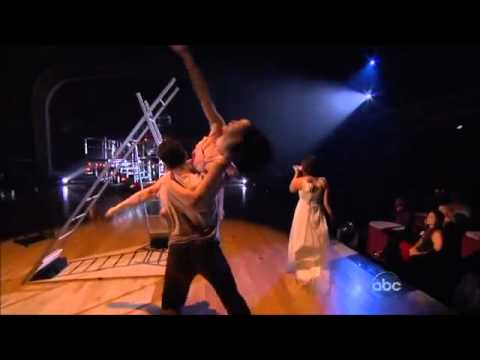 Demi Lovato Singing Skyscraper on Dancing With The Stars 09/27/11