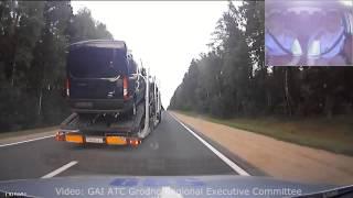مطارة هوليودية بين سيارة شرطة وشاحنة محملة بالسيارات