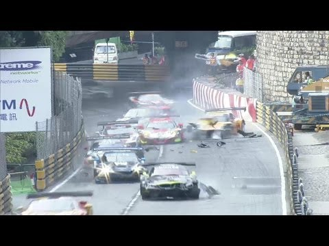 Start Big Crash @ 2013 Macau GT Cup