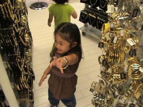Faith and Hazel shopping in Las Vegas