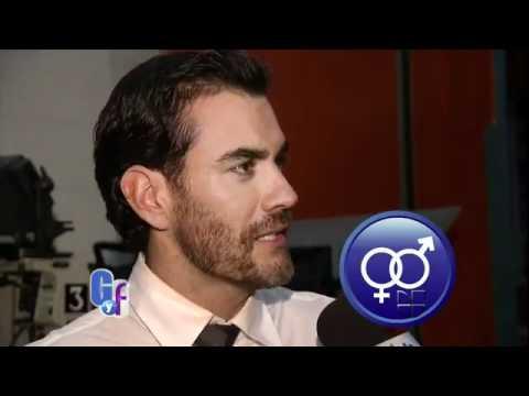 Scarlet Ortiz presentando La Buena Nota con David Zepeda