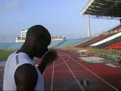 ASAFA POWELL PREPARES FOR SPRINTING