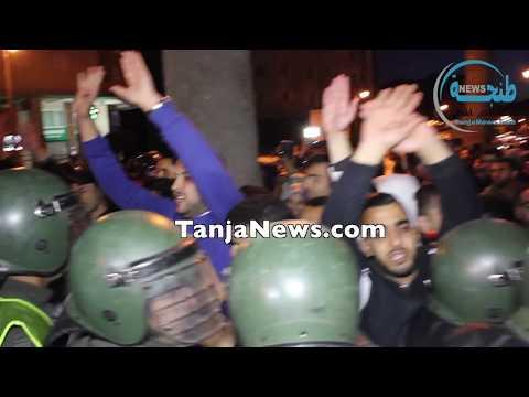 """إصابات في فض الأمن لـ """"مسيرة الشموع"""" للأساتذة المتعاقدين بطنجة"""