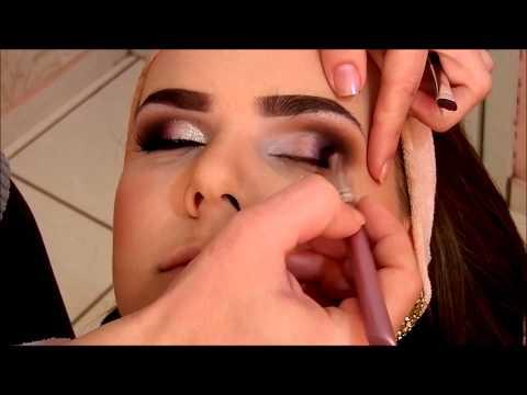 Maquiagem delicada para olhos fundos