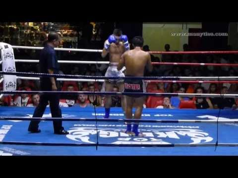 Muay Thai - Damien vs Daopragai - Patong Boxing Stadium, 4th January 2014
