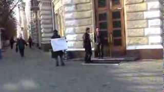 Protest la Primăria Chișinău pentru John Onoje