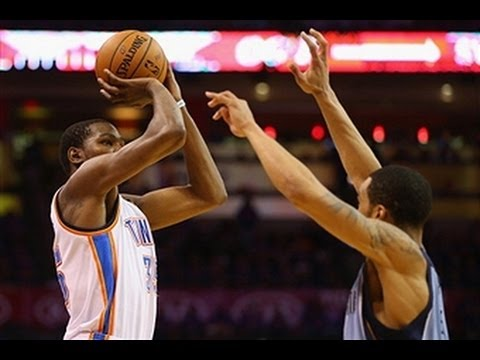 Kevin Durant Drops 33 to Send Thunder to Round Two