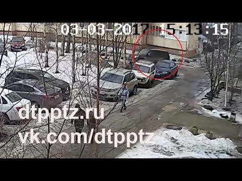 На Перевалке во дворе многоквартирного дома погиб пешеход
