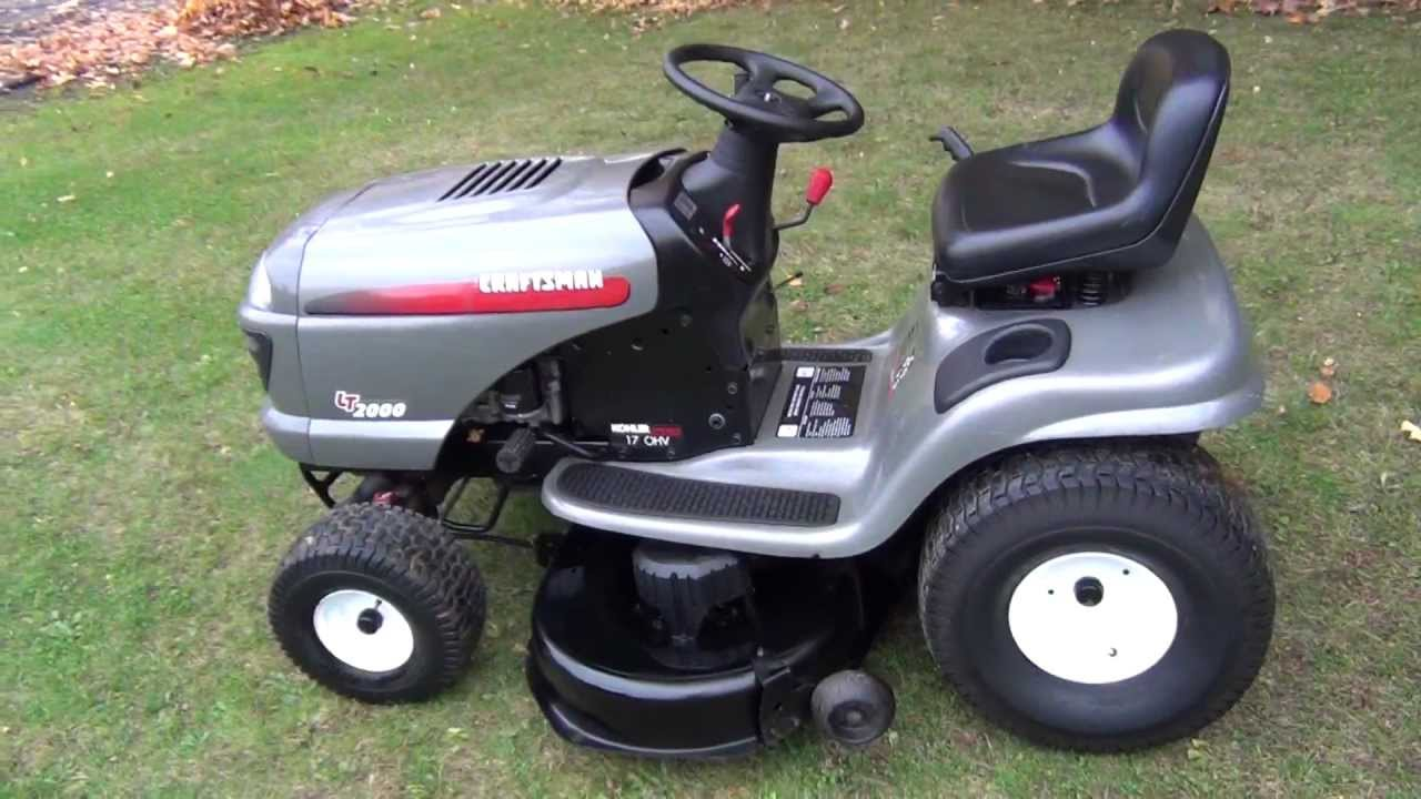 Craftsman Lt2000 Tractor With Hydrostatic Drive In Mint