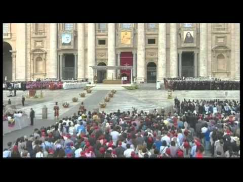 7112WD VATICAN-POPE CANONISATION