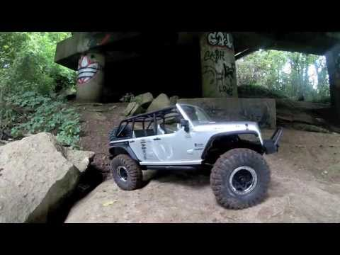 Axial SCX10 Jeep Wrangler Rubicon Rock Crawling RC