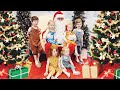 Getting a Santa Photo with Six Kids