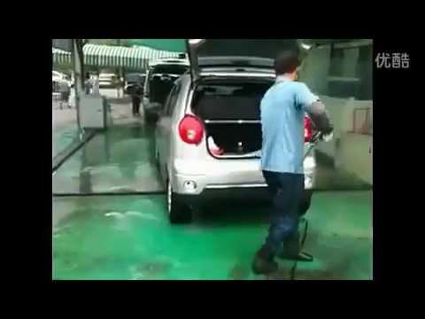 Hình ảnh trong video Amazing Chinese Kung Fu Car Wash 見過這樣