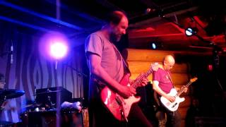 Built to Spill playing Three Years Ago Today [Ultimate Alternative Wavers] view on youtube.com tube online.