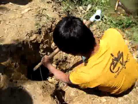 Cận cảnh săn rắn rùng rợn của trẻ em ở miền Tây- Chỉ có tại Cuoivl.vn