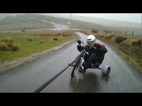 Triciclos Avila drift con agua subiendo