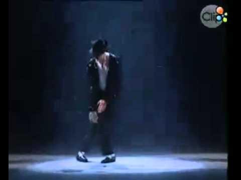 Xem video clip Nhung buoc nhay di vao huyen thoai cua - Michael Jackson Michael Jackson.mp4