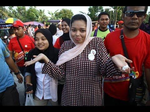 PRK Teluk Intan: Dyana & Lim Kit Siang Dihalau Penduduk Melayu