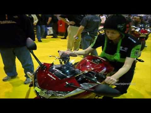 "2011 Honda CBR250R ""review"" -  (@ Chicago Motorcycle Show)"