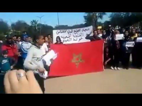 وقفة احتجاجية للمجتمع المدني بالتشارك و سيدي مومن للمطالبة بمحاكمة عادلة و الاستماع لدنيا بوطازوت