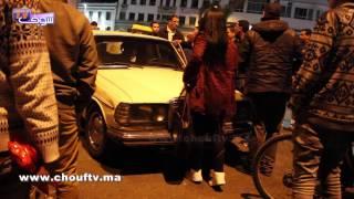 بالفيديو..الروينة فوسط مدينة البيضاء..زُوج بنات حبسو طاكسي كبير حيث مبغاش يْوصلهُم..واحدة اعتاقلوها و هاشنو وقع |