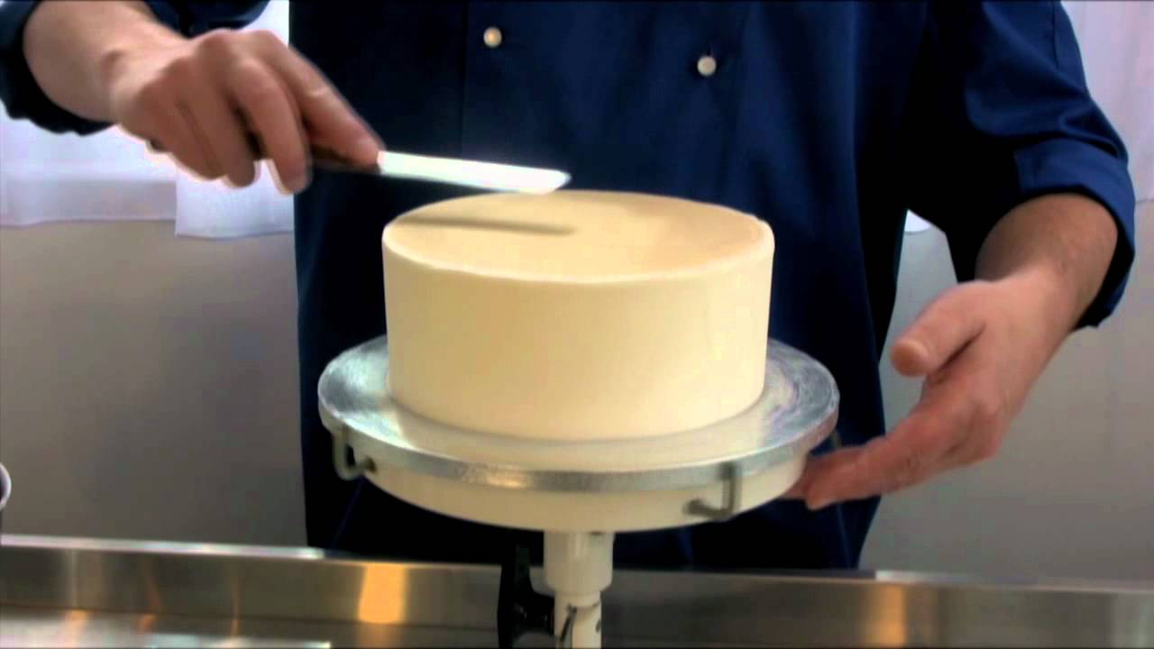 How To Get Smooth Icing On A Fruit Cake