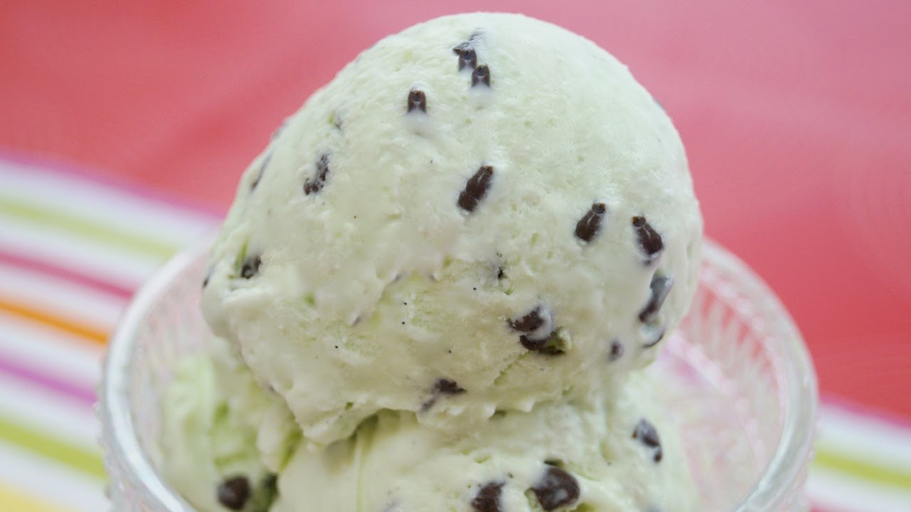 Mint Chocolate Chip Ice Cream: Recipe (How To Make) NO MACHINE! Easy ...