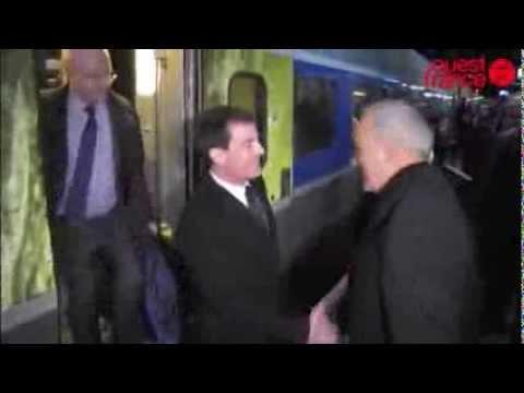 Manuel Valls hué en gare de Rennes