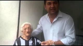 Torcedora de 94 anos ganha ingresso para final da Copa do Brasil
