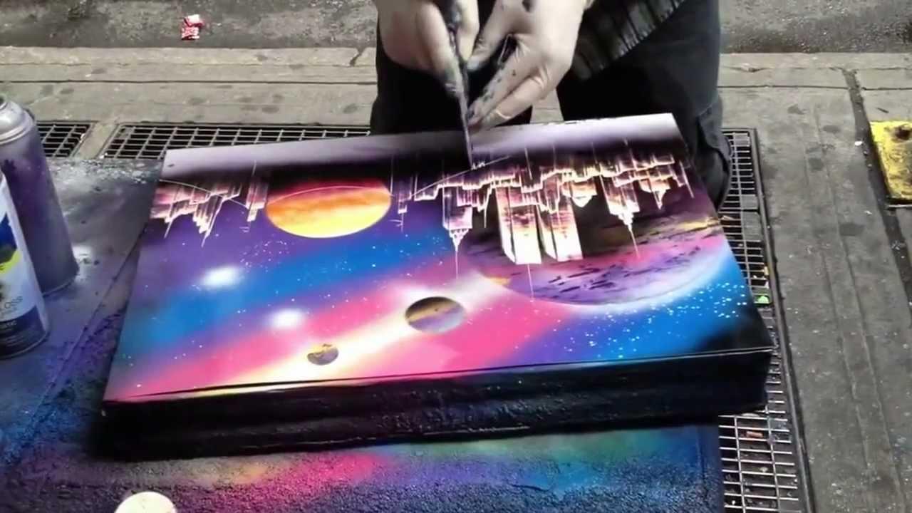 street painter has mad skills spray painting a. Black Bedroom Furniture Sets. Home Design Ideas