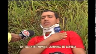 Acidente entre caminh�o e kombi deixa feridos na MG-020