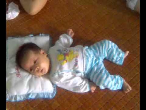 Bé Anh Thư, 1 tháng tuổi