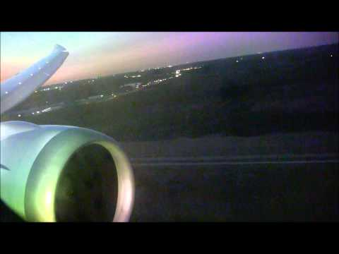 United Airlines Boeing 787 Landing in Houston