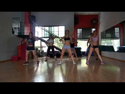 Claudinha Bagunceira   Coreografia 2013   Porto seguro  troupe Dance 2013   Daiana Sol