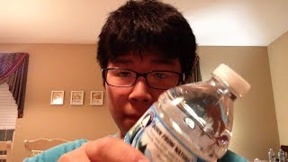 tui có thể uống hết một chai nước trong 1 giây.