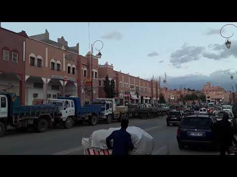 اضراب واعتصام أرباب وسائقي الشاحنات بمركز إقليم تنغير