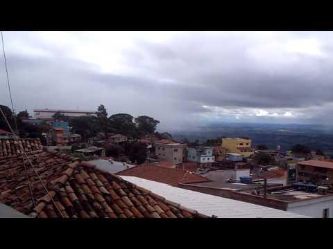 Vídeo Barulho misterioso foi ouvido em São Carlos e outras cidades; Ribeirão Preto teve clarão