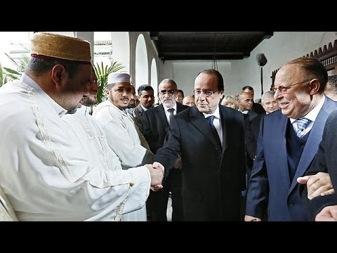 French President pays tribute to Muslim soldiers of World Wars