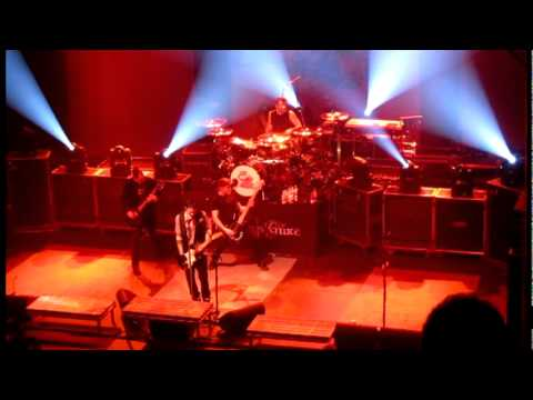 Three Days Grace - 2011-03-17 - The Chain - Live
