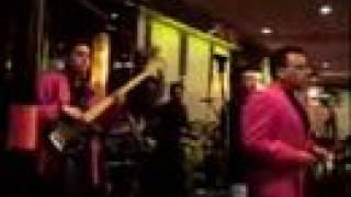 ROCK STAR DEL ECUADOR COLLAR DE LAGRIMAS # 1