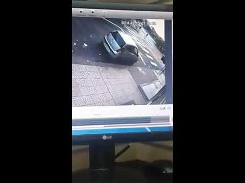 فيديو سرقة دراجة نارية في واضح النهار