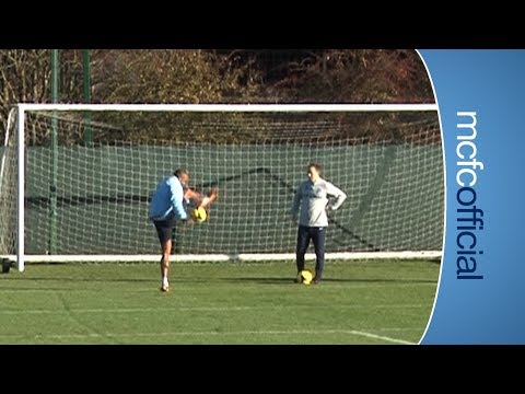 SKILLS! Vincent Kompany shows off some tricks in training