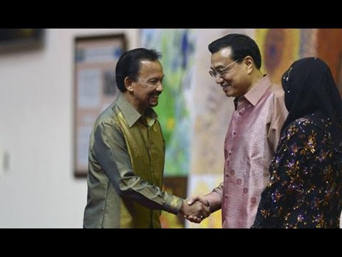 Premier Li Keqiang attends gala dinner in Brunei