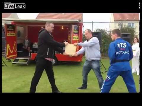 Ngày tồi tệ với thầy giáo võ thuật taekwondo